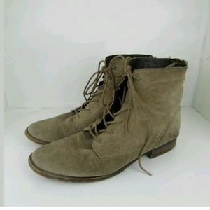 Steve Madden Ankle Boots Sz 8.5 Distressed Suede